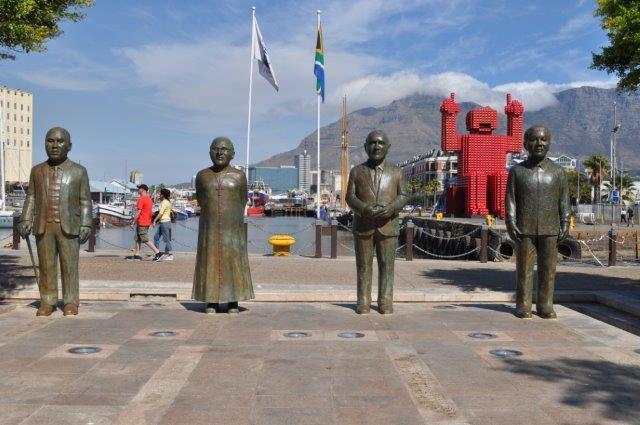 cpt-4-nobel-peace-statues