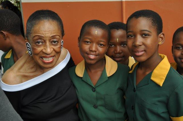 kzn-christianenberg-bettey-with-scholars