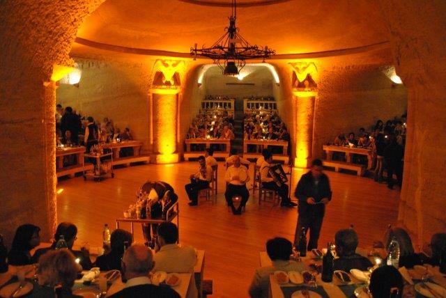 uranos-restaurant-2